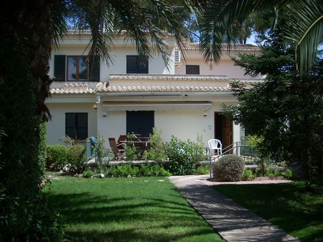 when to buy cheap holiday villas houses for sale in spain