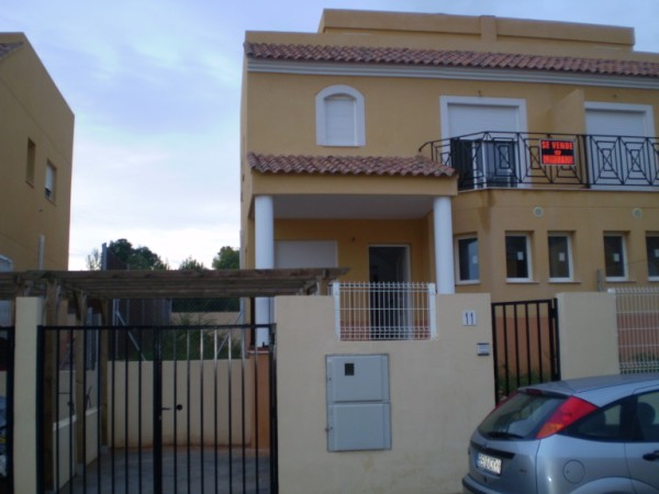 Chiva Semi Detached Property For Sale