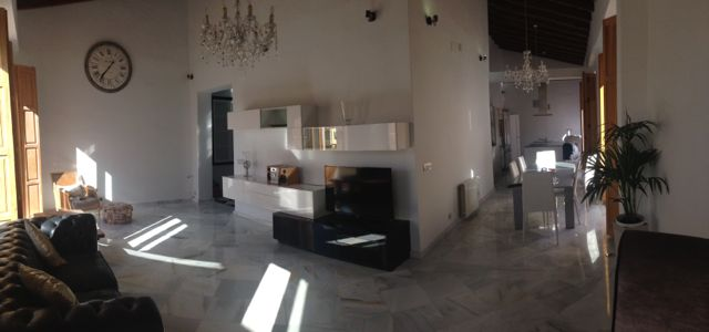 Huge Apartment In Central Valencia